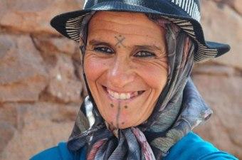 tatoeage-berber-vrouw-barrio-life
